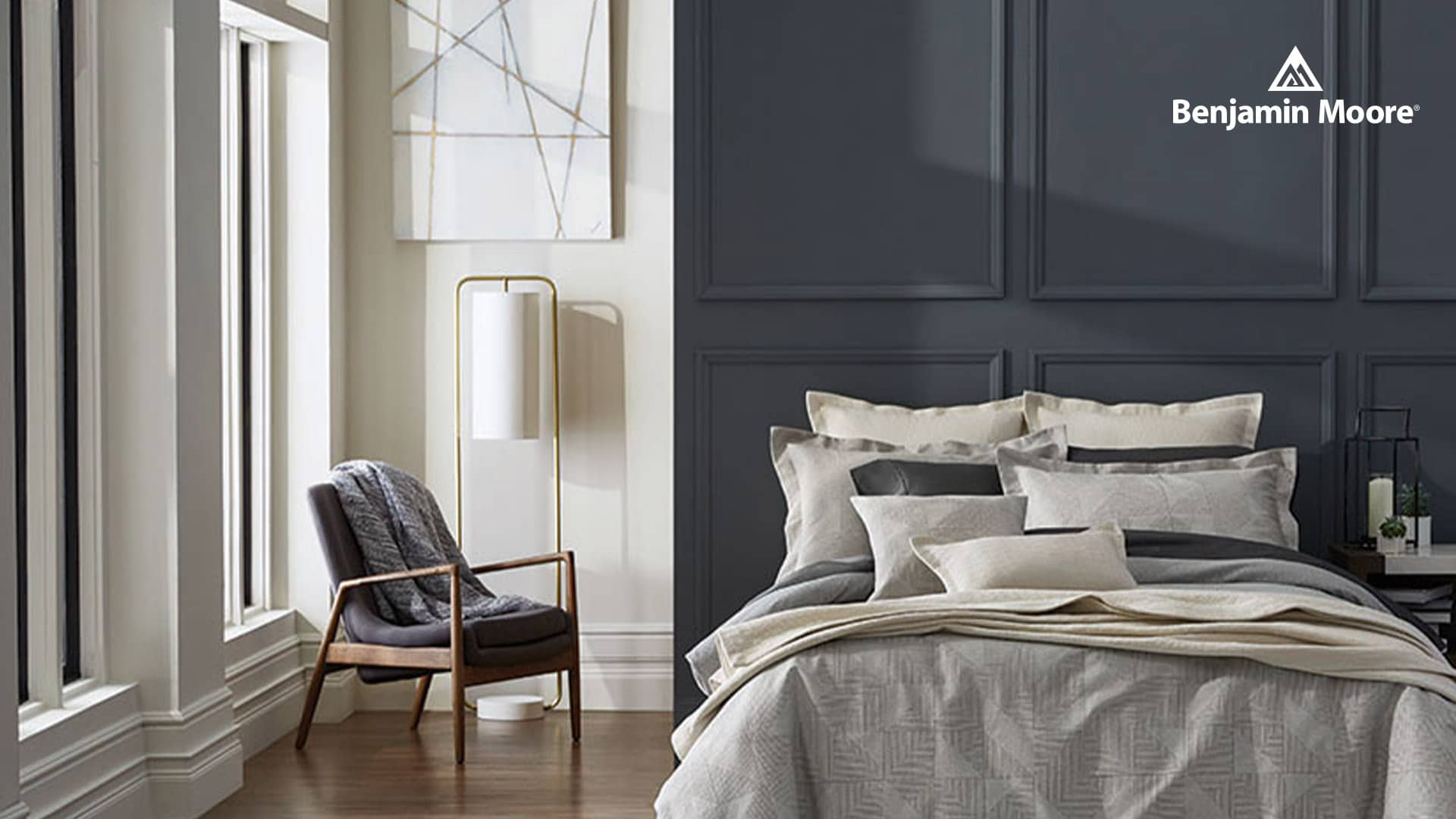 Janovic - Benjamin Moore - Cool Color Bedroom Feature Wall